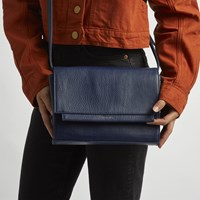Silvi Bag in Navy